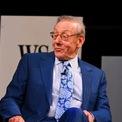"""<p class=""""Normal""""> <strong>4. Bất động sản</strong></p> <p class=""""Normal""""> Theo Wealth-X, 5,4% người giàu có kiếm tiền từ lĩnh vực bất động sản. Với tài sản ròng trị giá 7,6 tỷ USD, Stephen Ross là nhà phát triển bất động sản giàu có nhất nước Mỹ. (Ảnh: <em>Getty Images</em>)</p>"""