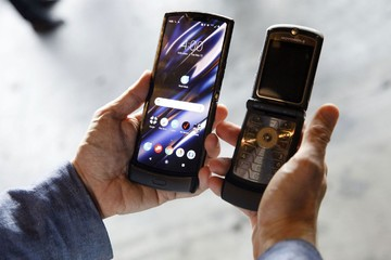 Motorola sẽ ra mắt điện thoại Razr 5G màn hình gập cuối năm nay