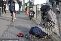 Triệu phú tỉnh ngộ sau vài ngày làm người vô gia cư