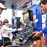 Bộ Công Thương yêu cầu kiểm soát chặt giá bán xăng dầu