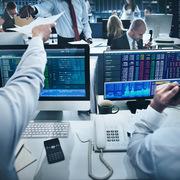 Khối ngoại bán ròng trở lại hơn 83 tỷ đồng, mua ròng thoả thuận ccq VNFin Lead