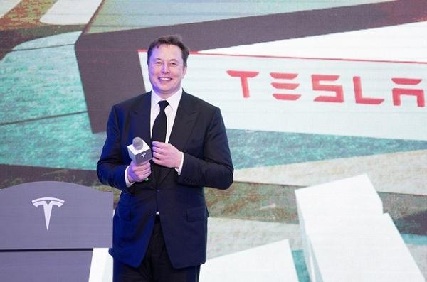 Tesla kinh doanh phát đạt, Elon Musk được thưởng gần 800 triệu USD tiền cổ phiếu