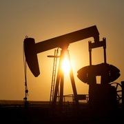 Giá dầu đi lên bất chấp tồn kho tại Mỹ bất ngờ tăng