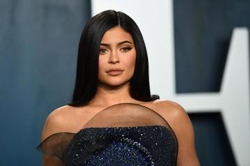 Cho rằng Kylie Jenner 'thổi phồng' tài sản, Forbes tuyên bố cô không phải là tỷ phú