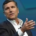 """<p class=""""Normal""""> <strong>Stephen Burke</strong></p> <p class=""""Normal""""> Tuổi: 61</p> <p class=""""Normal""""> Vai trò đáng chú ý: Thành viên HĐQT Berkshire (2009 - nay); Chủ tịch NBCUniversal (2020 - nay); CEO NBCUniversal và Phó chủ tịch cấp cao Comcast (2011 - 2019); thành viên HĐQT JPMorgan (2004 - nay). (Ảnh: <em>Bloomberg</em>)</p>"""