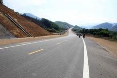 UBTVQH chỉ đồng ý chuyển 3 trên 8 dự án thành phần cao tốc Bắc - Nam sang đầu tư công