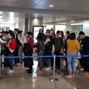Bộ Ngoại giao đề xuất tổ chức một số điểm trung chuyển đón công dân Việt Nam về nước