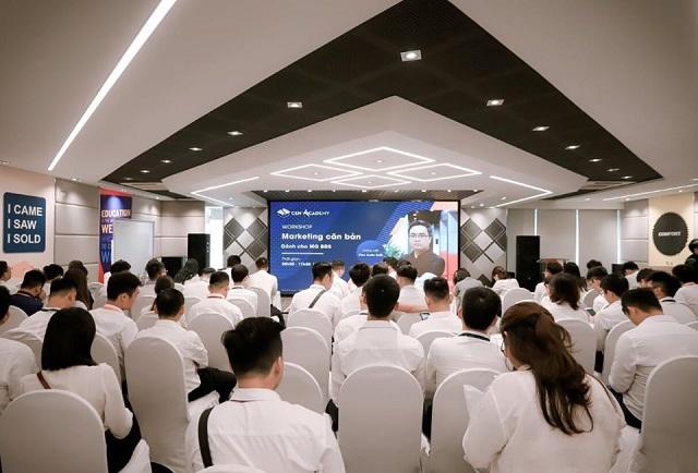 Cen Academy tổ chức nhiều khóa đào tạo chuẩn quốc tế (chứng chỉ IEA Singapore) cấp cho các mentor và đại lý ủy quyền