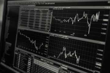 Vì sao giới đầu tư tháo chạy khỏi ETF trái phiếu, cổ phiếu châu Á?