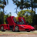 <p> Trong bối cảnh đại dịch Covid-19 diễn biến phức tạp tại nhiều nơi trên thế giới, nhà đấu giá RMSothebys đã chuyển sang hình thức đấu giá trực tuyến và Ferrari Enzo hiện là chiếc ôtô đắt giá nhất được mua qua hình thức này. Xếp ngay sau Enzo là một chiếc Ferrari khác - GTO 288 phiên bản 1985 có giá 2,31 triệu USD.</p>