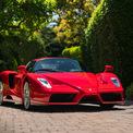 <p> Dù xuất xưởng 17 năm trước, chiếc Enzo này mới chỉ chạy 1.250 dặm (2.012 km) và trông không khác gì lúc ban đầu. Xe có khả năng tăng tốc 0-96 km/h trong hơn 3 giây và được giới thiệu là có tốc độ tối đa 350 km/h.</p>