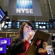 Phố Wall trái chiều, S&P 500 kết thúc đợt tăng 4 phiên liên tiếp