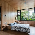 <p> Với thiết kế này, cả 2 phòng ngủ trong nhà đều đón nhận 2 luồng ánh sáng: ánh sáng từ mặt tiền và ánh sáng từ khu vườn phía sau.</p>