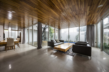 Ngôi nhà xếp tầng cho tầm nhìn xuyên suốt các phòng ở Huế