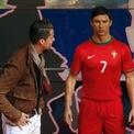 <p> Năm 2015, Ronaldo được cho là chi đến 30.000 USD để sở hữu một bức tượng sáp mang hình ảnh của mình. (Ảnh: <em>Javier Barbancho/Reuters</em>)</p>