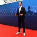 <p> Cầu thủ của Juventus cũng là một tín đồ thời trang. Anh thường xuyên diện những bộ cánh và phụ kiện đắt đỏ, bao gồm chiếc đồng hồ Rolex giá nửa triệu USD. (Ảnh: <em>Harold Cunningham - UEFA/Getty Images</em>)</p>