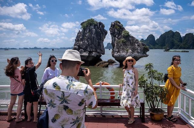 Bloomberg: Du lịch Việt Nam 'thoát bẫy' Covid-19