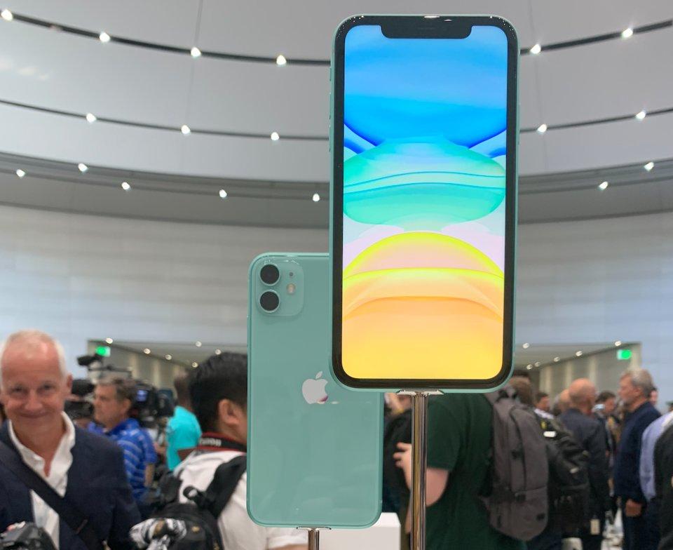 Loạt smartphone cao cấp đang giảm giá mạnh tại Việt Nam - Ảnh 2.