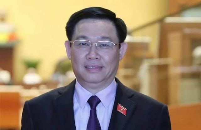 Bí thư Thành uỷ Hà Nội Vương Đình Huệ.