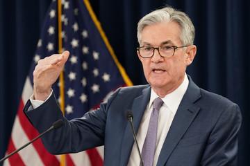 Fed giữ nguyên lãi suất đến 2022, dự báo GDP Mỹ năm nay giảm 6,5%