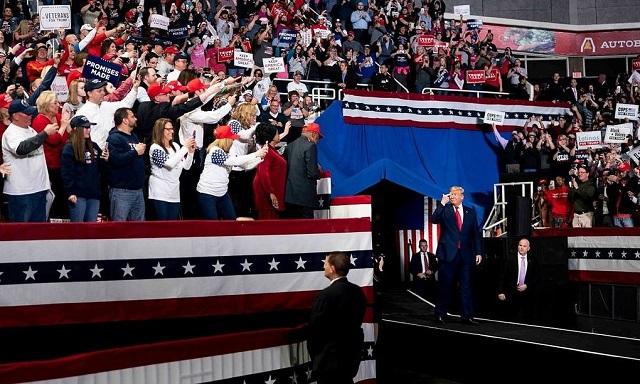 Những con số 'phản bội' nỗ lực mở cửa của Trump