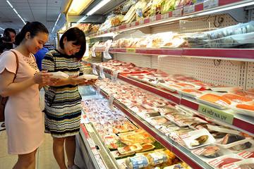 Bộ trưởng Nguyễn Xuân Cường khuyên ăn gà, tôm cá để 'hạ nhiệt' giá thịt lợn