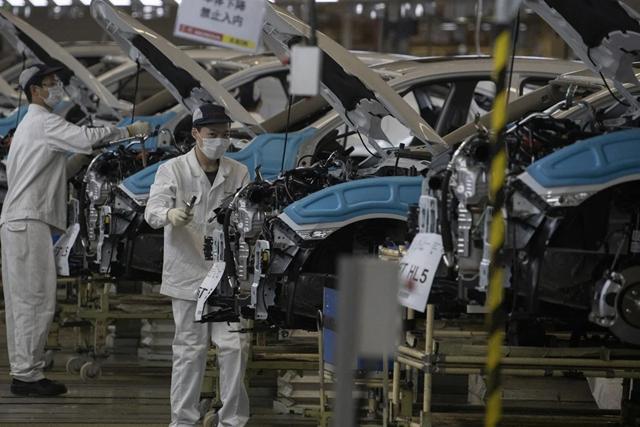 Sản lượng công nghiệp của Trung Quốc tăng trong tháng 5 nhưng không đạt kỳ vọng từ giới phân tích. Ảnh: AP.