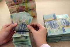 Hoãn tăng lương cơ sở cho thấy dự phòng rủi ro tài khoá chưa cao
