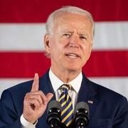 Biden lần đầu tiên đánh bại Trump về khả năng gây quỹ tranh cử