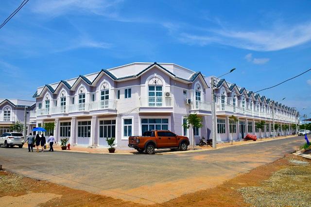 Khánh thành cụm nhà ở xã hội và khởi công trung tâm thương mại tại KCN Hàm Kiệm I, Bình Thuận