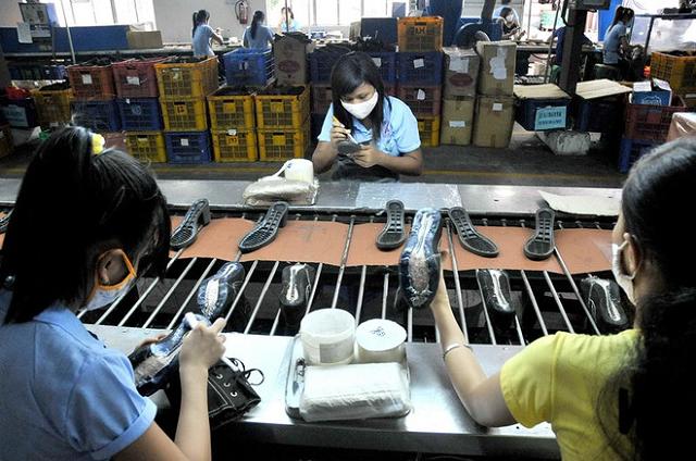 Người lao động trước nguy cơ mất việc