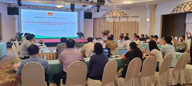 Hội đồng Tiền lương quốc gia đã tổ chức phiên thứ nhất (họp kín), để bàn về phương hướng tiền lương tối thiểu năm 2021.