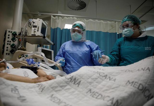 Thế giới hiện ghi nhận hơn 9,3 triệu ca nhiễm Covid-19, gần 480.000 trường hợp tử vong. Ảnh: Reuters.