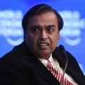 """<p class=""""Normal""""> <strong>1.<span> </span>Mukesh Ambani: 63,2 tỷ USD</strong></p> <p class=""""Normal""""> Quốc gia/vùng lãnh thổ: Ấn Độ</p> <p class=""""Normal""""> Cách đây ít ngày, Mukesh Ambani – ông chủ tập đoàn Reliance Industries của Ấn Độ - được Forbes ghi nhận là một trong 10 tỷ phú giàu nhất thế giới. Dù hiện tại Ambani đã rơi xuống vị trí số 11, ông vẫn là người giàu nhất châu Á. (Ảnh: <em>Bloomberg)</em></p>"""