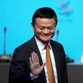 """<p class=""""Normal""""> <strong>3.<span> </span>Jack Ma: 44,5 tỷ USD</strong></p> <p class=""""Normal""""> Quốc gia/vùng lãnh thổ: Trung Quốc</p> <p class=""""Normal""""> Jack Ma đồng sáng lập """"gã khổng lồ"""" thương mại điện tử Alibaba trong căn hộ của mình tại Hàng Châu vào năm 1999. 15 năm sau, Alibaba niêm yết trên sàn chứng khoán New York với thương vụ IPO kỷ lục, thu về 25 tỷ USD. Năm ngoái, Jack Ma rời ghế chủ tịch Alibaba để tập trung làm từ thiện. (Ảnh: <em>Reuters</em>)</p>"""