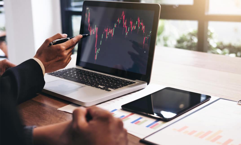 Thanh khoản thị trường giảm về 5.000 tỷ đồng, VN-Index liên tục đảo chiều