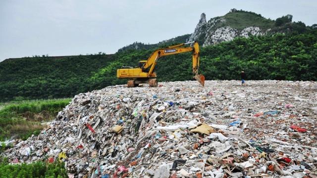 Một bãi rác ở tỉnh Giang Tô, Trung Quốc. Ảnh: Reuters.