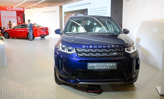 land-rover-discovery-sport-202-9880-8881