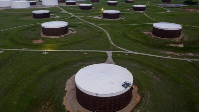 Kho chứa dầu tại cửa ngõ giao dầu WTI Cushing, bang Oklahoma. Ảnh: AFP.