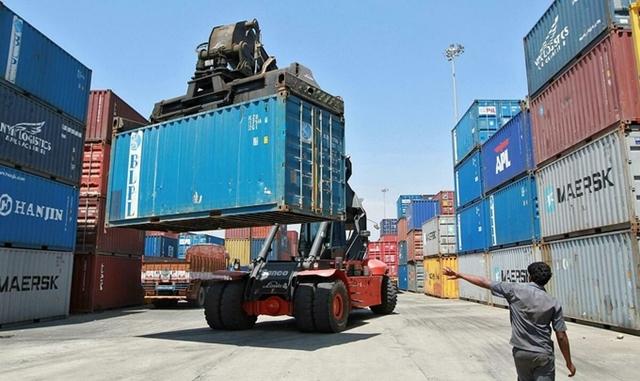Container tại cảng Chennai (Ấn Độ). Ảnh: Reuters