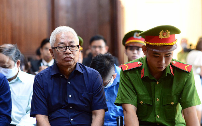 Ông Trần Phương Bình bị DongABank 'níu áo' đòi nghìn tỷ tại tòa