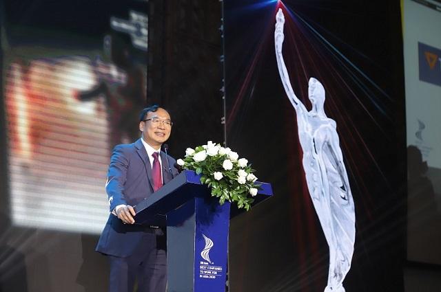 Ảnh: Ông Khúc Văn Họa – Phó Tổng Giám đốc TPBank phát biểu tại lễ trao giải.