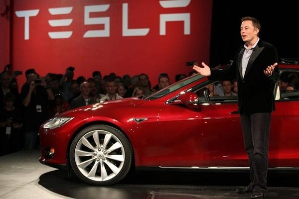 Chưa từng có lãi, Tesla vẫn trở thành hãng ôtô giá trị nhất thế giới
