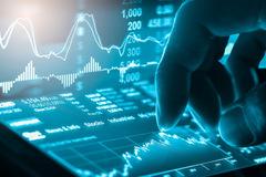 HDB bứt phá, VN-Index tăng điểm trở lại