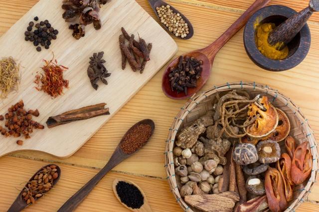 Các nhà sản xuất thuốc cổ truyền Trung Quốc gặt hái được những kết quả tuyệt vời trong quý đầu 2020. (Ảnh: Shutterstock)