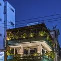 """<p> Nằm trên con phố Hoàng Diệu nhộn nhịp ở TP Đà Nẵng, quán cà phê mang trong mình cảm giác """"sống chậm"""" thanh thản, thân mật, trân trọng ngay giữa lòng một đô thị vội vã.</p>"""