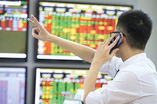 VDSC: Thị trường chứng khoán tháng 7 giao dịch thận trọng