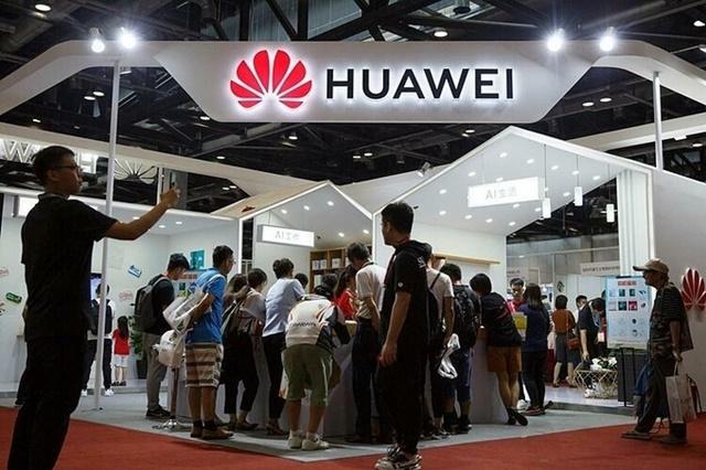 Gian hàng của Huawei tại một triển lãm ở Bắc Kinh hồi tháng 8. Ảnh:Reuters.