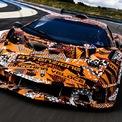 """<p> Lamborghini vừa thông báo sắp sửa ra mắt mẫu xe mới được cho là """"đi trước thời đại"""". Nhà sản xuất ôtô Italy không hé lộ bất kỳ thông tin gì về mẫu xe mới, tuy nhiên có 2 khả năng xảy ra trong sự kiện ra mắt lần này.</p>"""