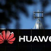 Huawei lún sâu trong khó khăn